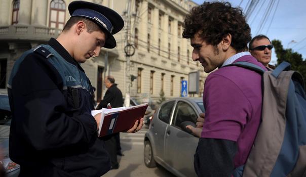 Protest politic paşnic in Piata Universitatii. Foto: Andreea Balaurea, Mediafax